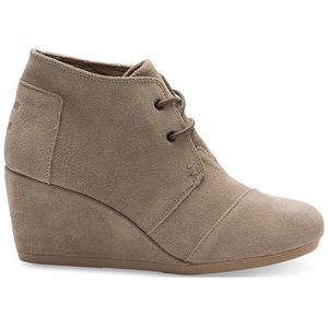 Tom's Desert Wedge Taupe Suede Bootie
